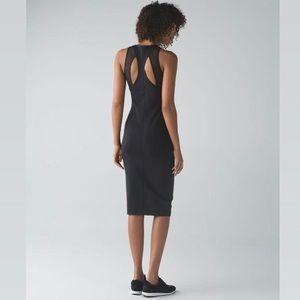 Lululemon Globetrotter dress. 🖤